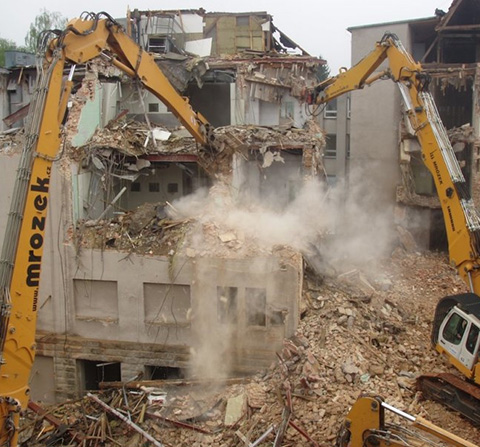 DEMOLITION OF SURGERY PAVILION IN A HOSPITAL