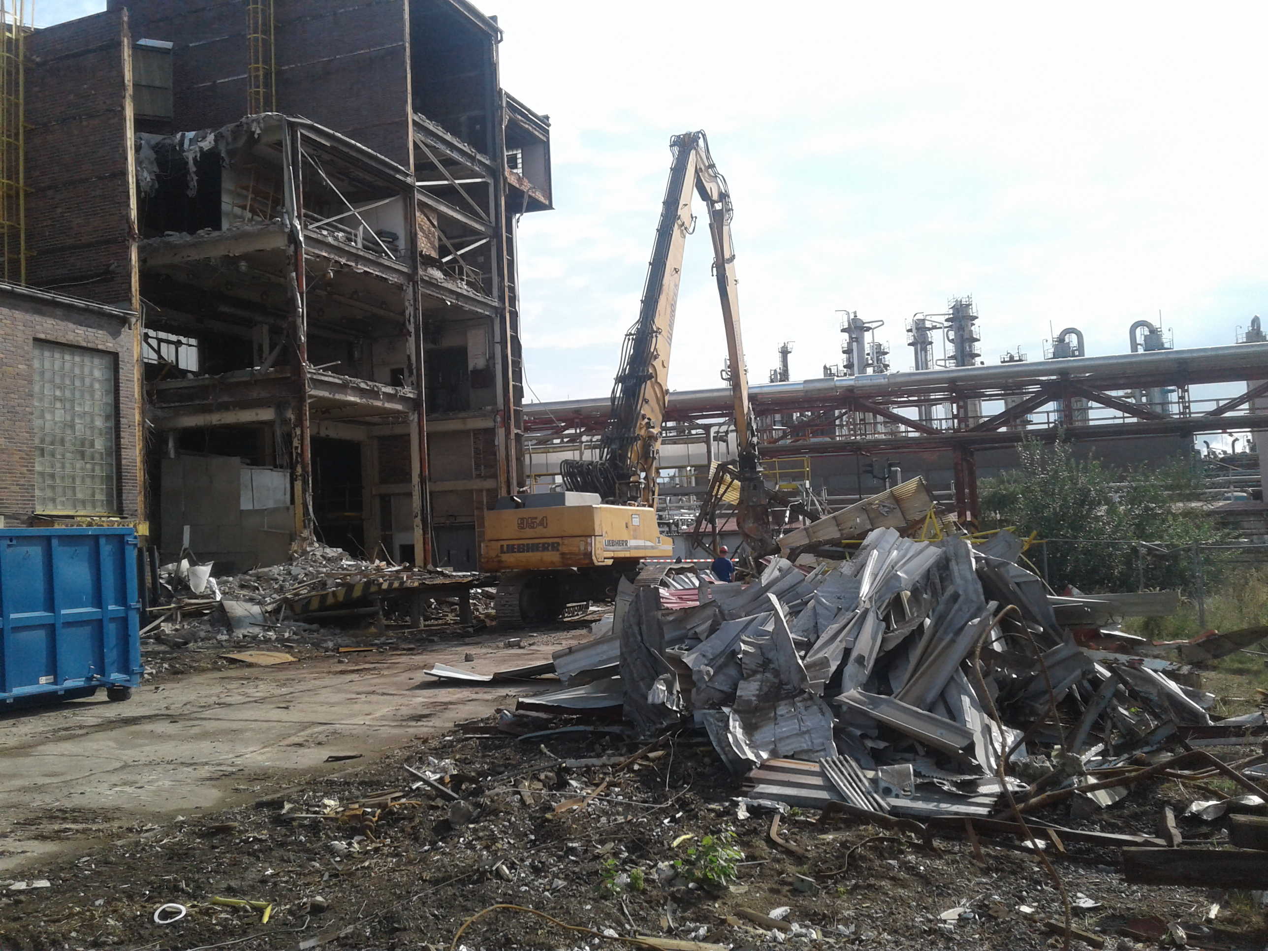 Demolition of buildings & subsequent landscaping